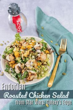 Endorian Roasted Chicken Salad is my favorite meal in Star Wars: Galaxy's Edge. The unique flavors and textures will transport you to a galaxy far, far away! Big Salads, Easy Salads, Easy Salad Recipes, Yummy Recipes, Healthy Recipes, Disney Recipes, Disney Food, Roasted Chicken, Chicken Salad