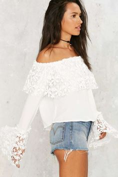 Take Up Space Off-the-Shoulder Top - Back In Stock | Blouses | Tops | Off The Shoulder