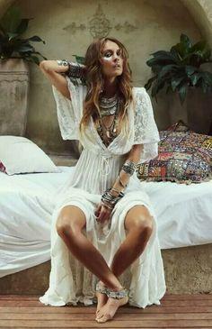 ☮ Amerikanischer Hippie Bohéme Boho Stil ☮ Source by hippie style Hippie Style, Hippie Mode, Mode Boho, Gypsy Style, Bohemian Style, Hippie Gypsy, Beach Hippie, Boho Beach Style, 70s Hippie