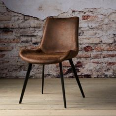 Kave Home Eetkamerstoel Kona Kitchen Chairs, Dining Room Chairs, Table And Chairs, Modern Table, Modern Decor, Sister Home, Industrial Chair, Wood Table, Living Spaces