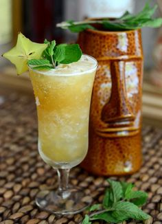 One cocktail that we particularly enjoy is the Missionary's Downfall, which uses pineapple and mint for a cocktail that is both fruity and refreshing. When we have fresh mint, we never fail to make at least one round of them,… Fun Drinks Alcohol, Alcohol Drink Recipes, Yummy Drinks, Classic Cocktails, Fun Cocktails, Cocktail Drinks, Rhum Clement, Pineapple Juice, Lime Juice