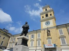 """This is the main square in Parma, the Palazzo del Governatore (Governor's Palace) with the statue of Giuseppe Garibaldi: an influential and important French-born politician who was considered one of Italy's """"Fathers of the fatherland"""" - He was a central figure in the Italian Risorgimento which eventually led to the formation of a unified Italy."""