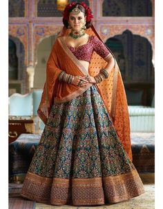 Sabyasachi Mukherjee has never failed to impress us with his stunning wedding attire collections. Look at the latest Sabyasachi lehenga designs to give a treat to your eye. Indian Lehenga, Sabyasachi Lehenga Bridal, Bollywood Lehenga, Blue Lehenga, Bollywood Wedding, Bollywood Fashion, Anarkali, Pakistani, Punjabi Wedding