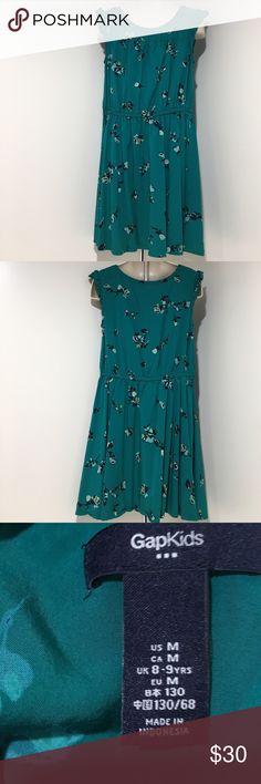 EUC Girls M Green Small Flower Gap Kids Dress Pre💖EUC Gap Kids M 8-9 yrs 100% rayon dress comes from a smoke & pet free home thanks for visiting my closet Happy Poshing💕 GAP Dresses