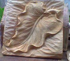 Dremel Wood Carving, Wood Carving Art, Carving Tools, Wood Carving Designs, Wood Carving Patterns, Chip Carving, Bone Carving, Feuille Aluminium Art, Plywood Art