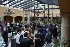 Después, los invitados disfrutan de un delicioso cocktail. #boda #cocktail