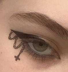 Punk Makeup, Grunge Makeup, Gothic Makeup, Eye Makeup Art, No Eyeliner Makeup, Eyeliner Ideas, Makeup Eyes, Makeup Inspo, Eyeliner Designs