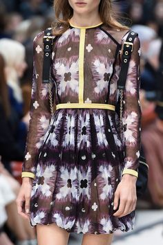Burberry Prorsum at London Spring 2016 (Details)