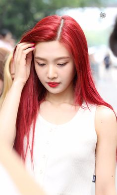 K-Pop Babe Pics – Photos of every single female singer in Korean Pop Music (K-Pop) Red Velvet Hair Color, Red Velvet Joy, Seulgi, Irene, Kpop Hair, Pretty Asian, Red Jewelry, Red Silk, Korean Beauty