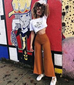 Look at this Fashionable street new york fashion Mode Outfits, Night Outfits, Summer Outfits, Casual Outfits, Look Fashion, 90s Fashion, Fashion Outfits, Womens Fashion, Fall Fashion