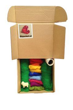 Nachfüllpaket mit Schafwolle zum Filzen für unser Handy Filzhüllen Set. Menge für 2 Handyhüllen. Hauptfarbe Grün mit bunter Wolle zum Gestalten. Bunt, Container, Felt Tutorial, Sheep, Tutorials, Ideas