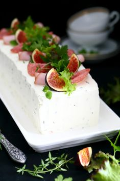 Savory Pastry, Savoury Cake, Sandwich Cake, Sandwiches, Appetizer Salads, Food Decoration, Cake Smash, Love Food, Cake Decorating