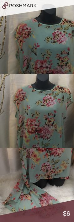 Floral Chiffon Blouse Floral print Chiffon Blouse. Brand Roommates. Size XL. Great Condition! Roommates Tops Blouses