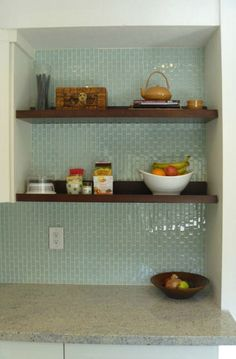 Cool tile backsplash with warm tones for the open shelves. {hook on houses features real kitchens}