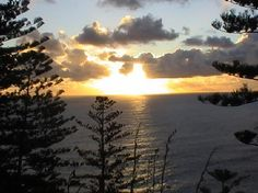 Enjoy a magnificent sunset at Dii Elduu House & Cottage #norfolkisland