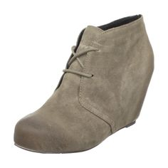 i can just picture myself teetering around in these bootsies.