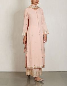 Check out our Pink Cotton Mul Kurta Set by SUKRITI & AAKRITI available at Ogaan Online store at special price. Sukriti and Aakriti dress up their breezy cotton pieces with gota and sequins to create a striking, contemporary Indian collection Pakistani Formal Dresses, Pakistani Outfits, Indian Dresses, Ethnic Outfits, Indian Outfits, Indian Attire, Indian Wear, Indian Style, Desi Wear