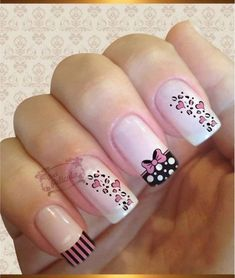 MERNUR hopes these 71 Most Eye-Catching Square Nails Art (Acrylic Nails, Matte Nails) for Summer that can help you out. Trendy Nail Art, Stylish Nails, Fancy Nails, Love Nails, Acrylic Nail Designs, Nail Art Designs, Acrylic Nails, Wedding Nails Design, Round Nails