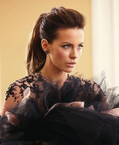 Kate Beckinsale ♥ The perfect ponytail every time I want her hair Date Hairstyles, Ponytail Hairstyles, Wedding Hairstyles, Hairstyle Ideas, Easy Hairstyle, Trendy Hairstyles, Updos, Fun Ponytails, Perfect Ponytail