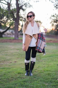 Camel sherpa vest, blanket scarf and Hunter boots... Perfect fall outfit! #HelloGorgeous