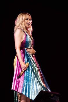 Melbourne, Victoria, Kylie Minogue, Iconic Women, Pop Singers, Sharon Stone, Glamour, Fan, Bride