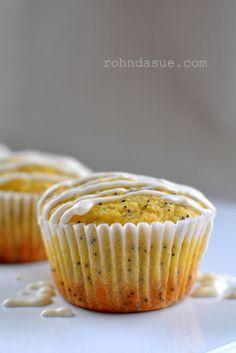 Lemon Poppy Seed Muffins (grain-free, sugar-free, dairy-free & low carb)