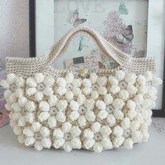 Free Crochet Bag Patterns 2016 Archives - Beautiful Crochet Patterns and Knitting Patterns Free Crochet Bag, Crochet Shell Stitch, Love Crochet, Beautiful Crochet, Diy Crochet, Crochet Flowers, Crotchet Bags, Knitted Bags, Crochet Handbags