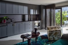 Yes this master bedroom is big enough it needs it's own kitchenette! Complete with pull out bar for when you need a scotch! Beautiful kitchen by luxury kitchen designer Kitchen Elegance in Sydney. New Kitchen Designs, Kitchenette, Luxury Kitchens, Beautiful Kitchens, Scotch, Home Projects, Luxury Homes, Sydney, Master Bedroom