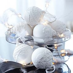 glue doily and spray paint white. :-) I can do that! sprinkle a little glitter and THE TABLE IS SET. <3