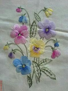 Вышивка гладью Brazilian Embroidery Stitches, Cutwork Embroidery, Bead Embroidery Patterns, Embroidery Flowers Pattern, Hand Embroidery Stitches, Free Machine Embroidery Designs, Embroidered Flowers, Bead Art, Couture