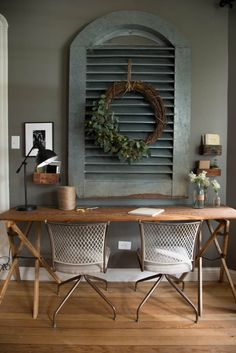 rustic farmhouse office decor