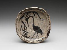 葦鷺文四方皿 美濃焼・志野様式<br/>Bowl with Heron in Reeds