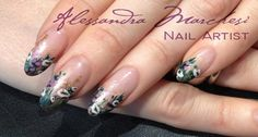 Lovely flowers, inspired by Robin Moses! Check out her facebook page, and mine also: AlessandraMarchesi Nail designer. Xoxo