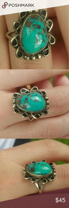 Southwestern sterling silver ring Size 9. Not positive what kind of stone but very southwestern style Jewelry