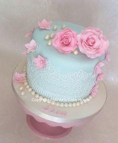 Vintage themed cake. Fancy Cakes, Mini Cakes, Cupcakes, Cupcake Cakes, Beautiful Cakes, Amazing Cakes, Elegant Birthday Cakes, Cake Decorating With Fondant, Cake & Co