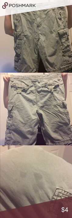 Men's Cargo Shorts Men's waist size 32 Iron Co. grey cargo shorts. They do have a small stain on the front of one of the legs as seen in picture 3. Comes from a smoke free home. Iron Co. Shorts Cargo