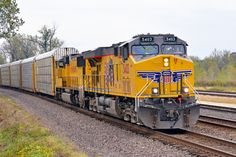 Diesel-electric locomotives from GE Evolution series in Edwardsville, Kansas, USA