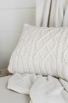 DIY Upcycled Sweater Pillow... what a great winter craft project!