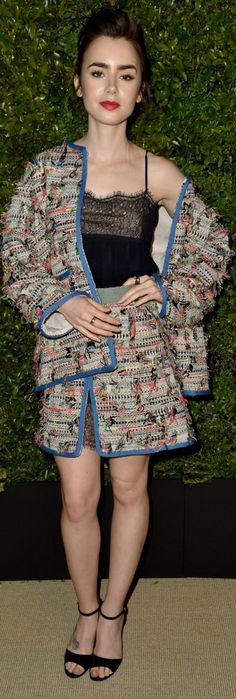The user generated fashion dictionary of what celebrities wore and where to get it. Stunningly Beautiful, Most Beautiful Women, Street Fashion, Runway Fashion, Lily Collins Style, Chanel Runway, Fashion Dictionary, Chanel Jacket, Stay Classy