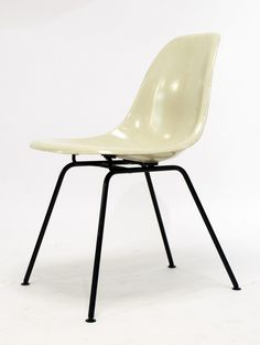 Charles and Ray Eames; Fiberglass and Enameled Metal 'DAX' Chair for Herman Miller, 1951.
