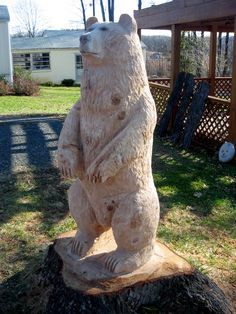 Stump turned bear at GL and Chrystal Staton's store, Amherst Lawn and Garden. This big bear is looking good! Chainsaw Wood Carving, Wood Carving Art, Wood Carvings, Abstract Sculpture, Wood Sculpture, Bronze Sculpture, Bear Statue, Hollow Art, Maori Art