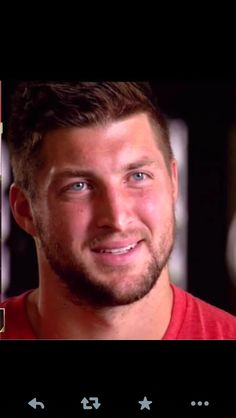 ^my future husband. T Bo, Sports Celebrities, Tim Tebow, Real Hero, Dream Guy, Good Looking Men, To My Future Husband, Football Players, Role Models