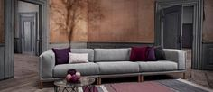 This is a design that brings together a narrow frame and voluminous cushions effortlessly. Elegant and astonishingly nice to sink into, the Cosy Modular is made up of exquisite craftsmanship and honest materials. Presenting, the new classic.  Products from Bolia are often highly customizable. To explore the full possibilities of this product, please click …
