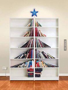 Ook een idee toch van boeken een kerstboom