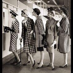 New Ideas photography vintage retro life magazine Fashion For Petite Women, Office Fashion Women, Fashion Tips For Women, Curvy Fashion, Womens Fashion Casual Summer, Retro Mode, Vintage Mode, Life Magazine, Outlet Premium