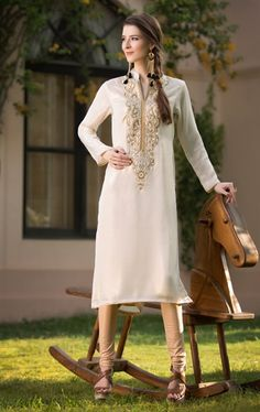 Picture of Off White Color Georgette Elegant Kurti