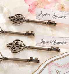 vintage inspired key place card holders. love these.