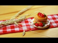 polymer clay Pancakes TUTORIAL - YouTube Interesting use of Cotton pads to form the plates