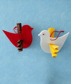 Felt Dove Ornaments Or simple toddler craft Holiday Crafts For Kids, Felt Crafts, Christmas Crafts, Bazaar Crafts, Church Crafts, Felt Christmas Ornaments, Sunday School Crafts, Bible Crafts, Ornament Crafts