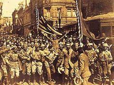 Soldados paulistas na Revolução de 1932. Centro de São Paulo.